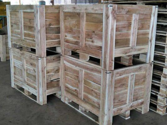 Thùng gỗ được đóng bằng gõ tràm